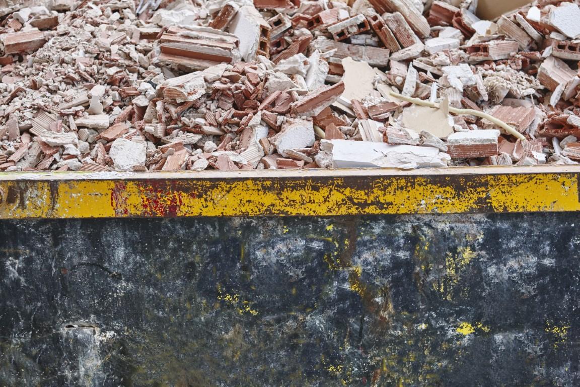 oczyszczenie ulic I chodników legnica, odśnieżanie placów legnica, podcinanie żywopłotu legnica, posypywanie solą legnica, praca sprzątanie legnica